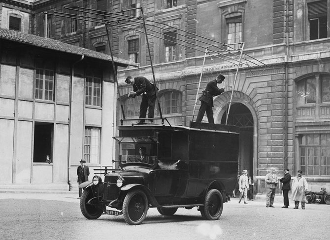 1930_Wireless Van.jpg