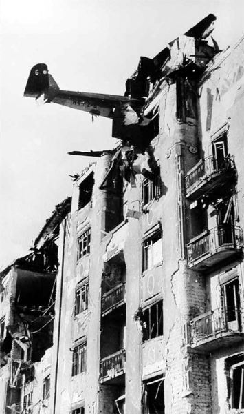 1945_2_budapest_DFS230.jpg