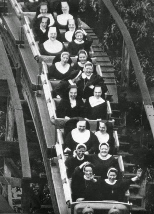 nuns_having_fun_03.jpg