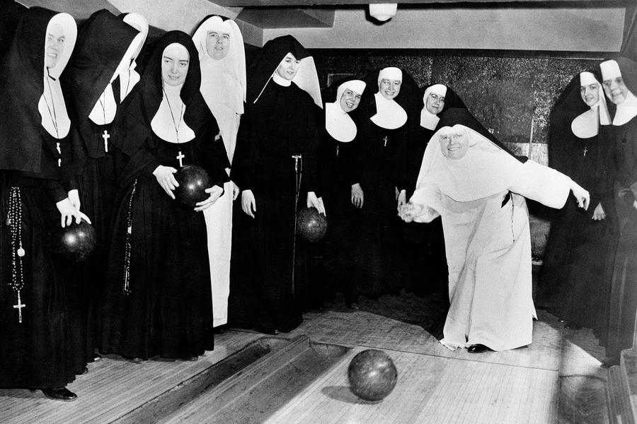nuns_having_fun_10.jpg