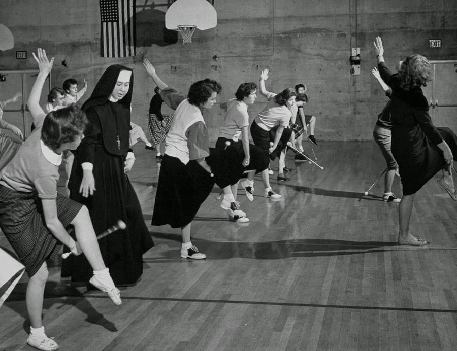 nuns_having_fun_14.jpg
