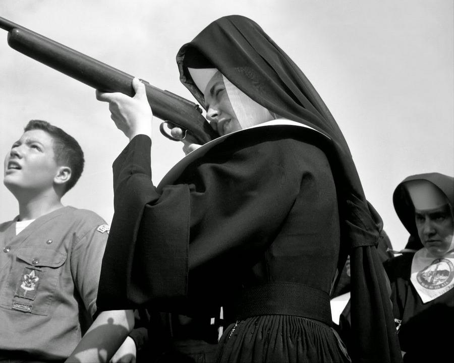 nuns_having_fun_18.jpg