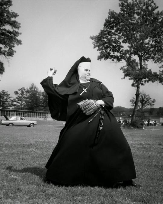 nuns_having_fun_19.jpg