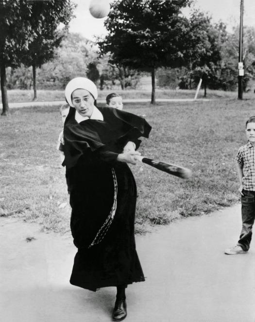nuns_having_fun_25.jpg