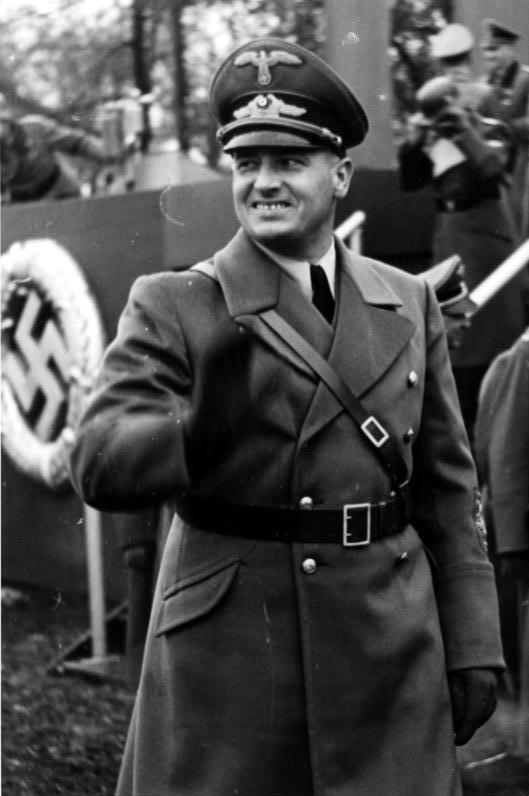Bundesarchiv_Bild_121-0270,_Polen,_Krakau,_Polizeiparade,_Hans_Frank_cr.jpg