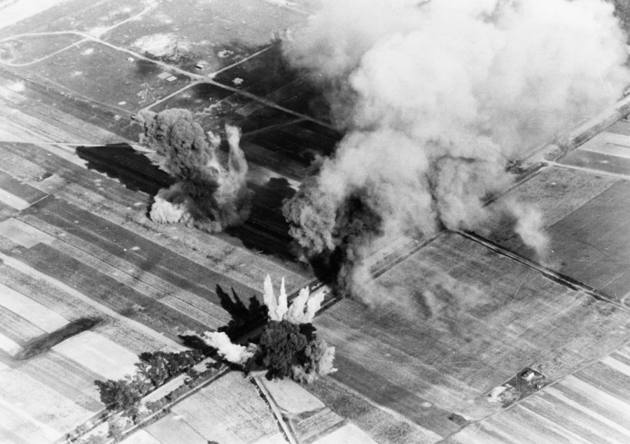 Lengyel település bombázása