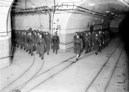 Franciák a Maginot vonal bunkereiben.