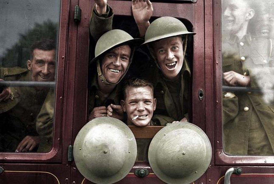 Nagy-Britannia: 1939. szeptember 20. Brit katonák készülnek a nyugati frontra.