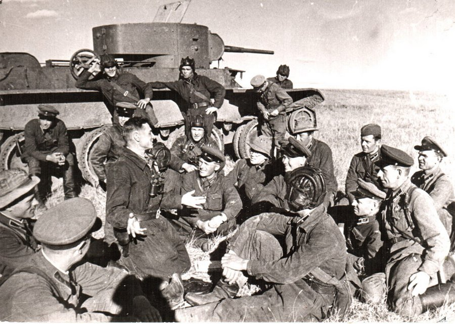 Szovjet csapatok pihenőn Halhin-Gol közelében.