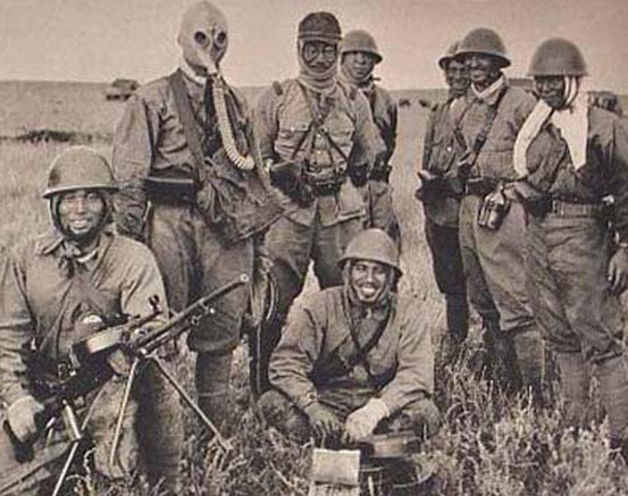 Japánok zsákmányolt szovjet fegyverekkel.