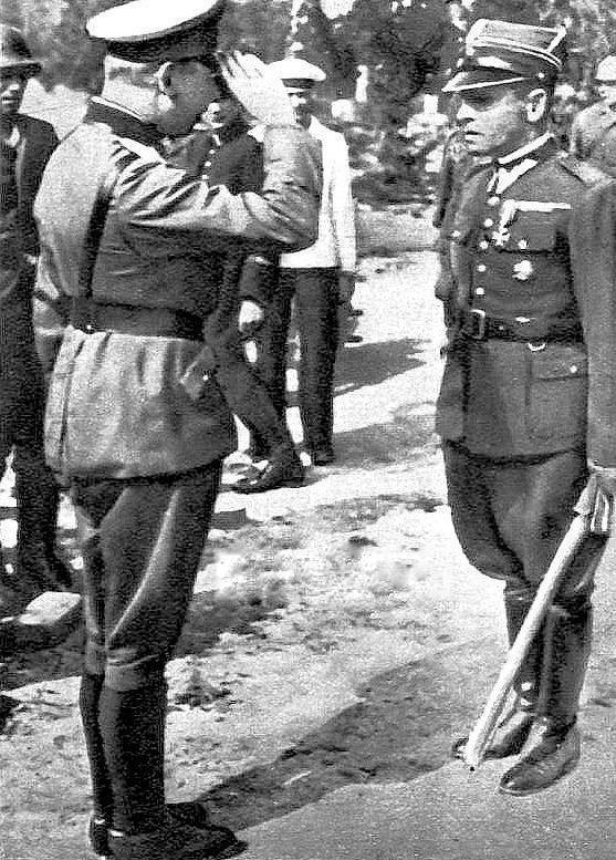 Friedrich Eberhardt tábornok fogadja Henrik Suharski őrnagy megadását.