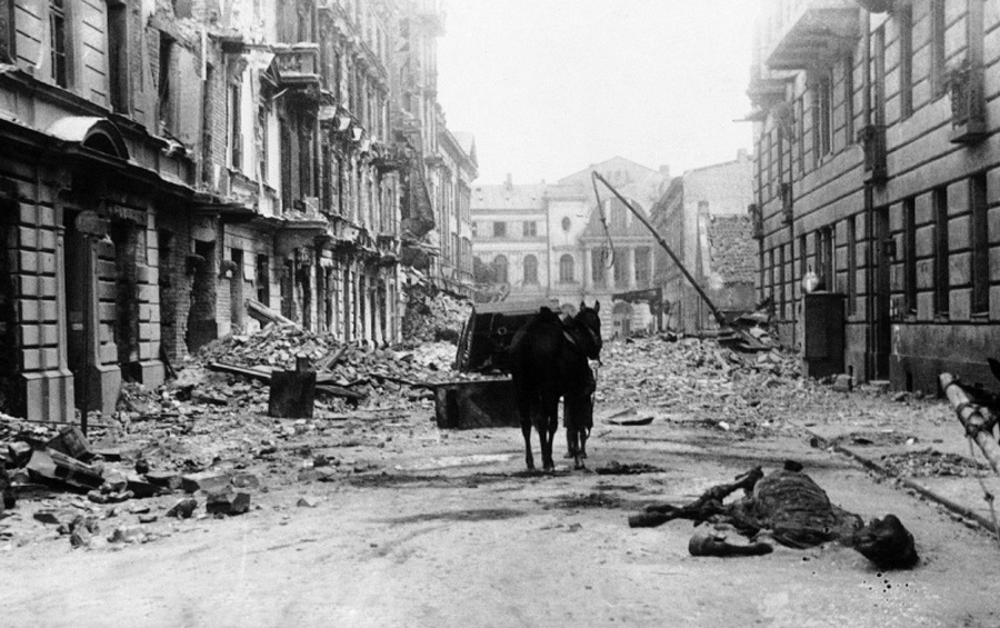 Az elpusztult Ordynatska utca Varsóban.