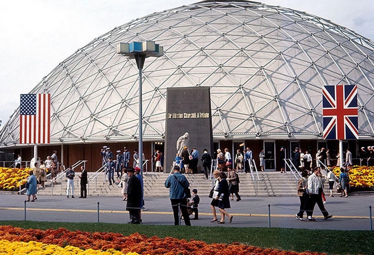 Winston Churchill kiállítás a brit pavilonban - 1965-re alakították ki az előző évben elhunyt brit miniszterelnök emlékére.