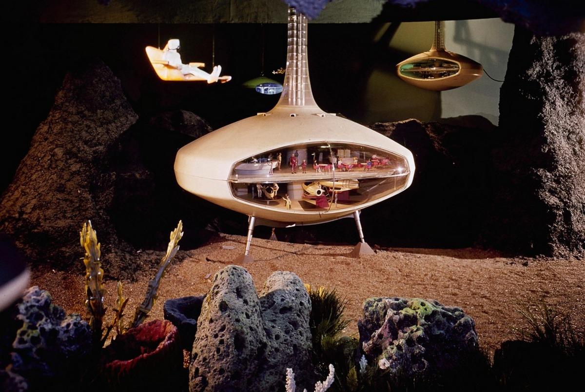 Víz alatti lakóház modellje