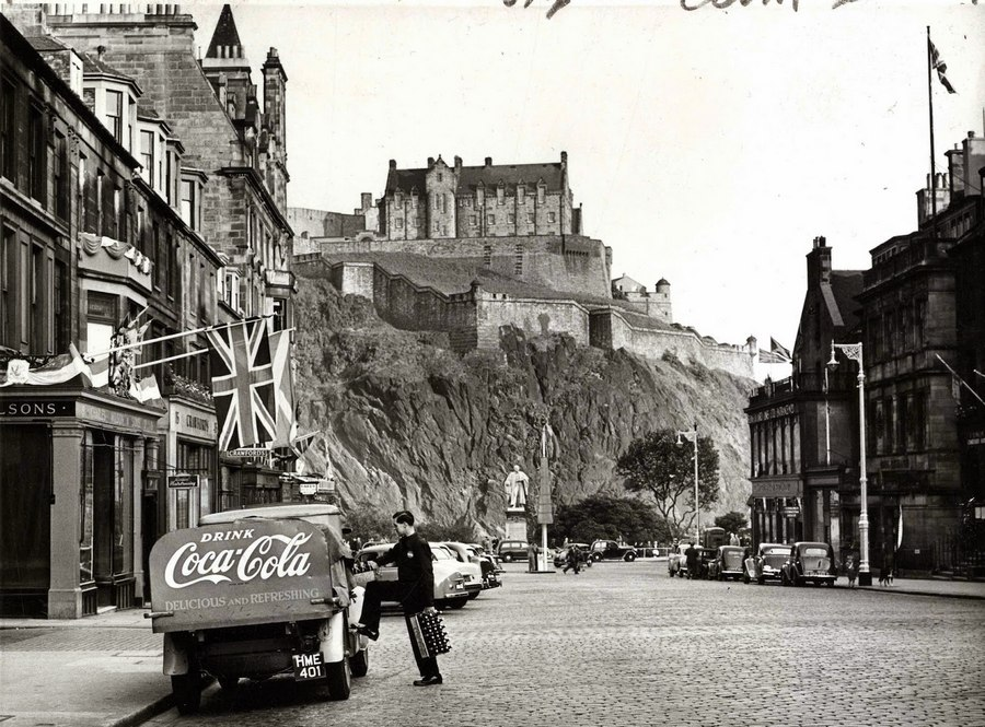 1953. Edinburgh_cr.jpg