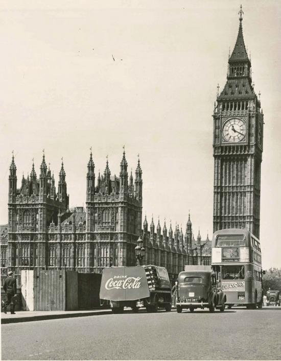 1953. London.jpg