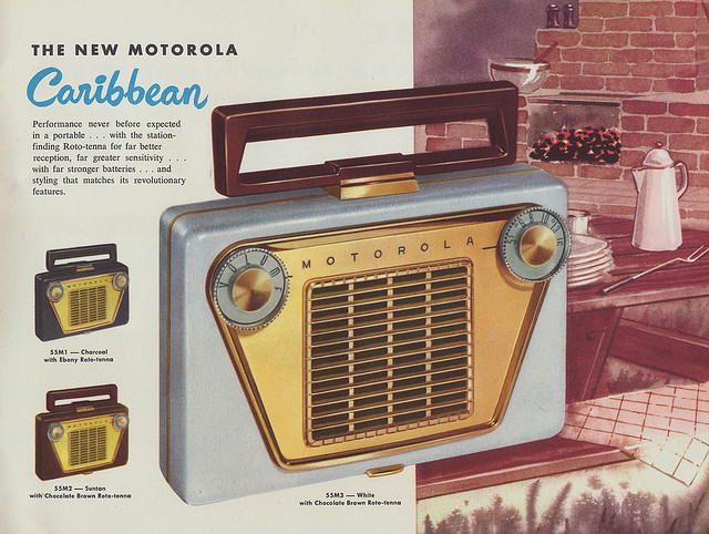 1955. MOTOROLA rádió.jpg