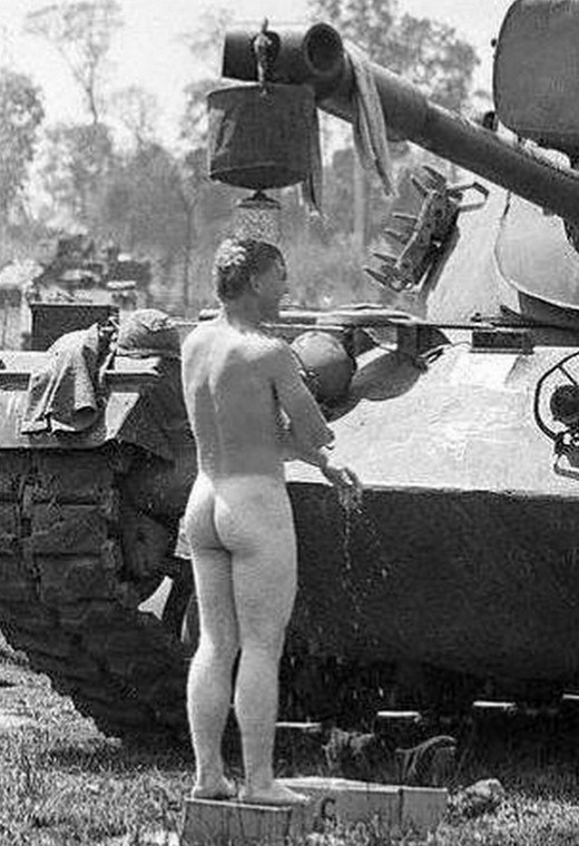 funny-pictures-ww2-humor-war-history-world-war-two-028_cr.jpg