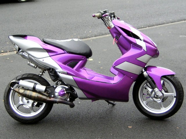 scooter-mbk-nitro-perso-violet.jpg