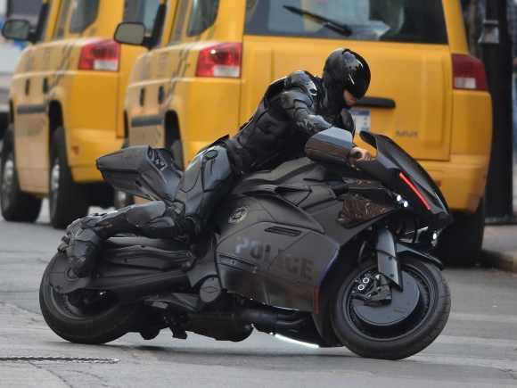RC2000 on Bike.jpeg