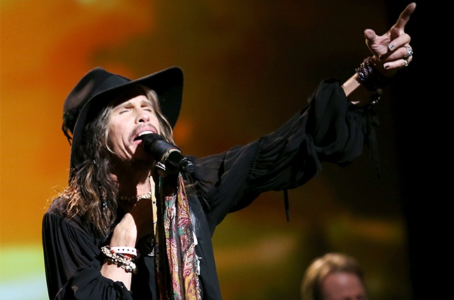 steven-tyler-performing-2014-billboard-650.jpg
