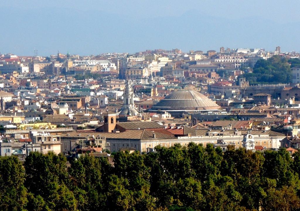cupola del pantheon vista dal gianicolo.jpg