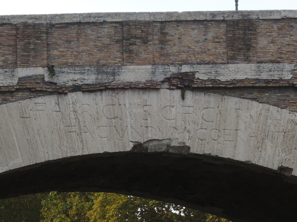 ponte_fabricio_iscrizione1.JPG