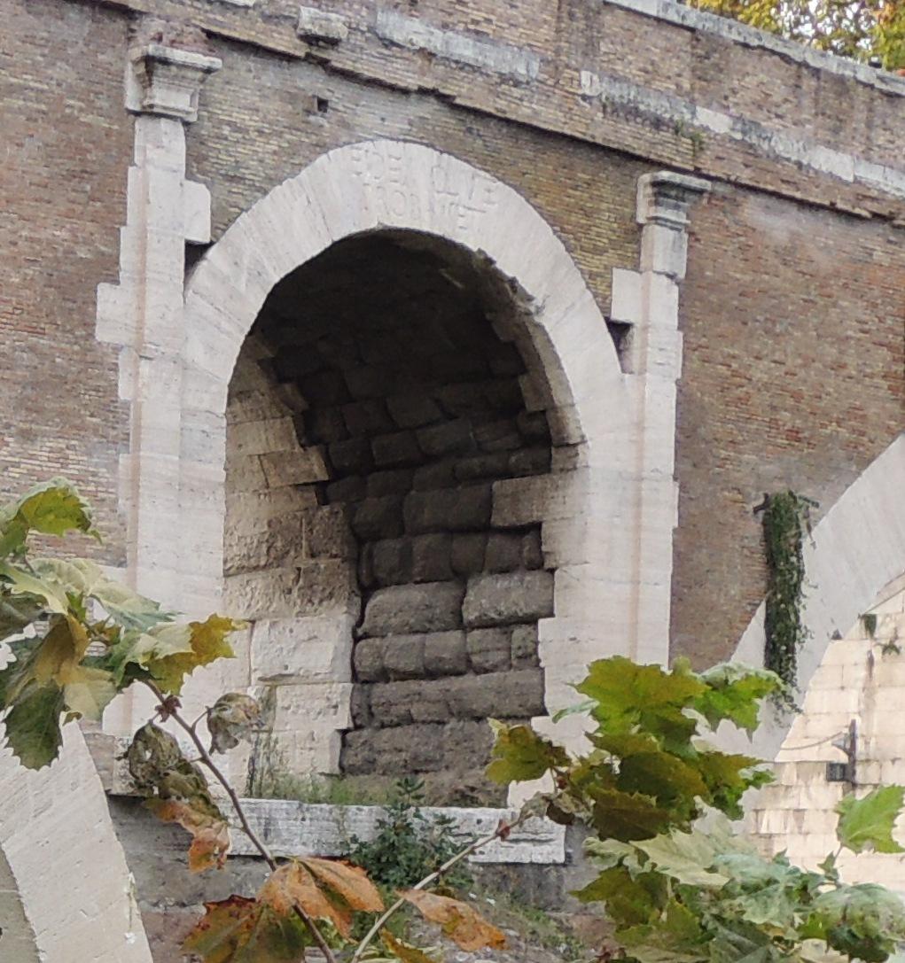 ponte_fabricio_iscrizione2.JPG