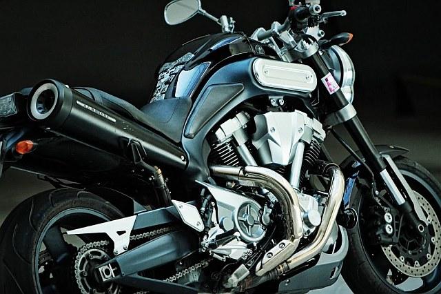 Yamaha MT-01_1.jpg
