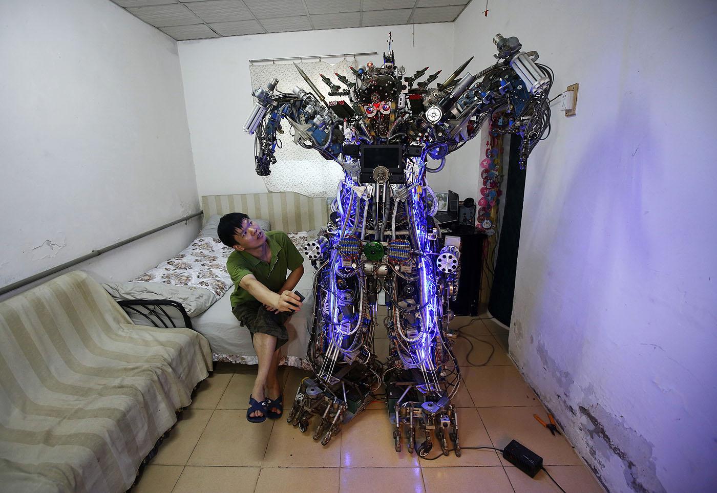 kinai-robot.jpg