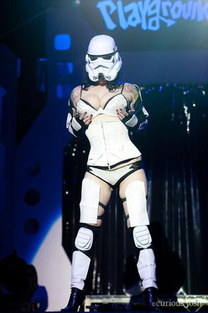 rohamsoztag_cosplay3.jpg