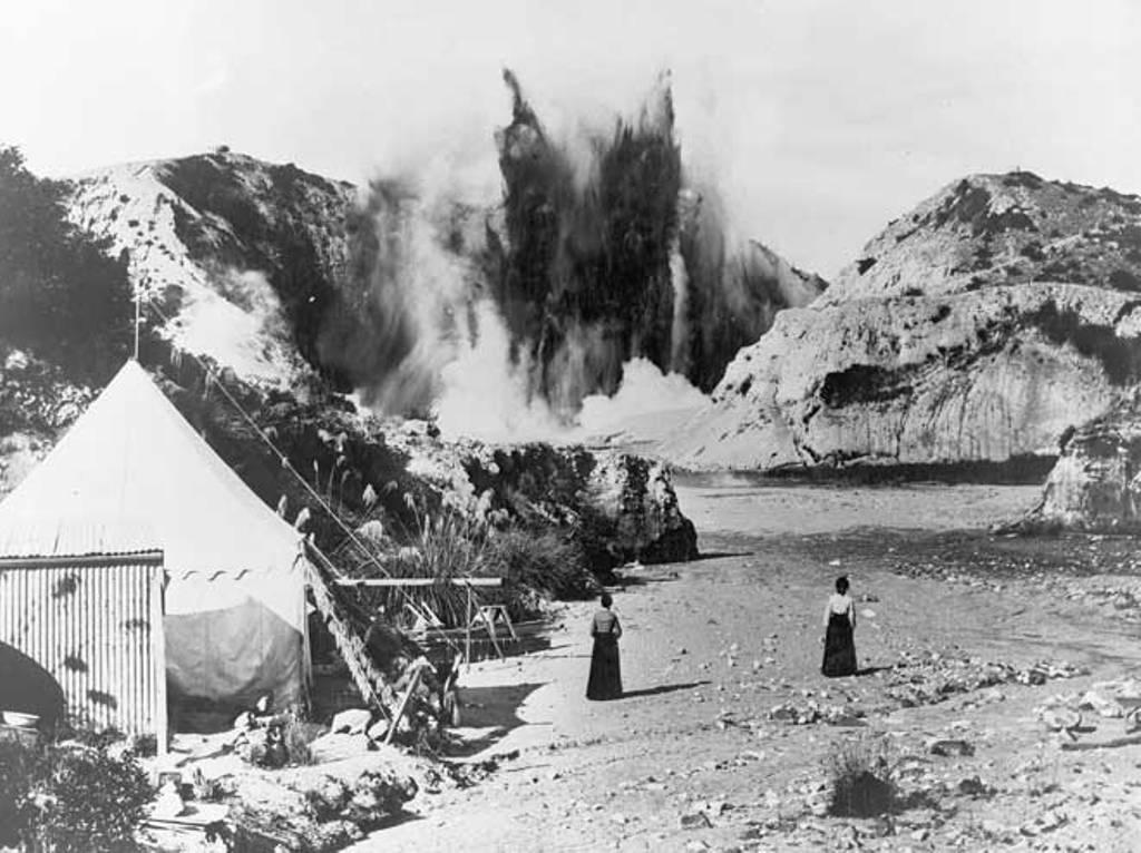 1903-1904 Waimangu gejzir ( maori neve fekete vizet jelent)