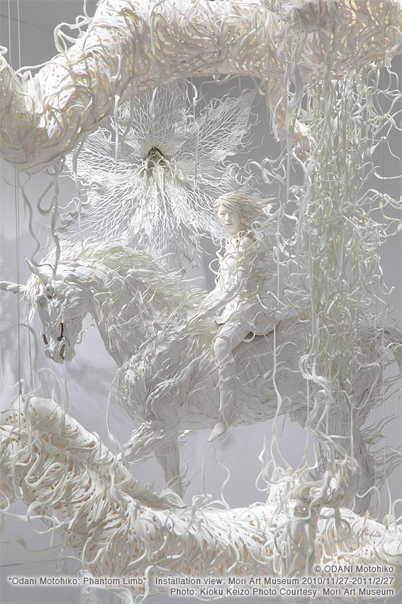 Szobrok légiesen könnyed megfogalmazásban a japán képzőművésztől