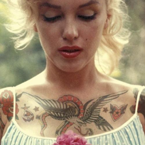 Nekem nem baj, ha tetoválva vagy...