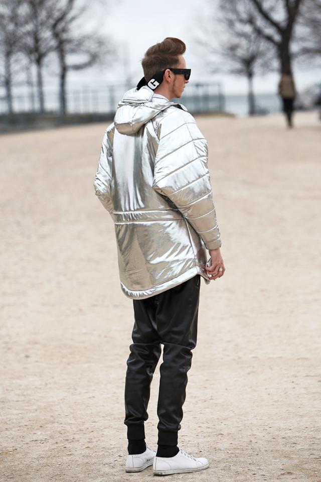 cukovy-magyar-divattervezo-smizedivat-divatblogger-ferfidivat-ezust-kabat-silver-coat-paris-fashion-week-2015_2.png