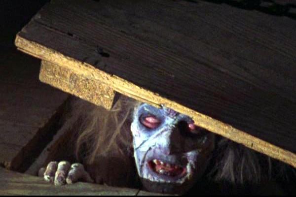 Cheryl-Williams-Ellen-Sandweiss-possessed-The-Evil-Dead-1981.jpg
