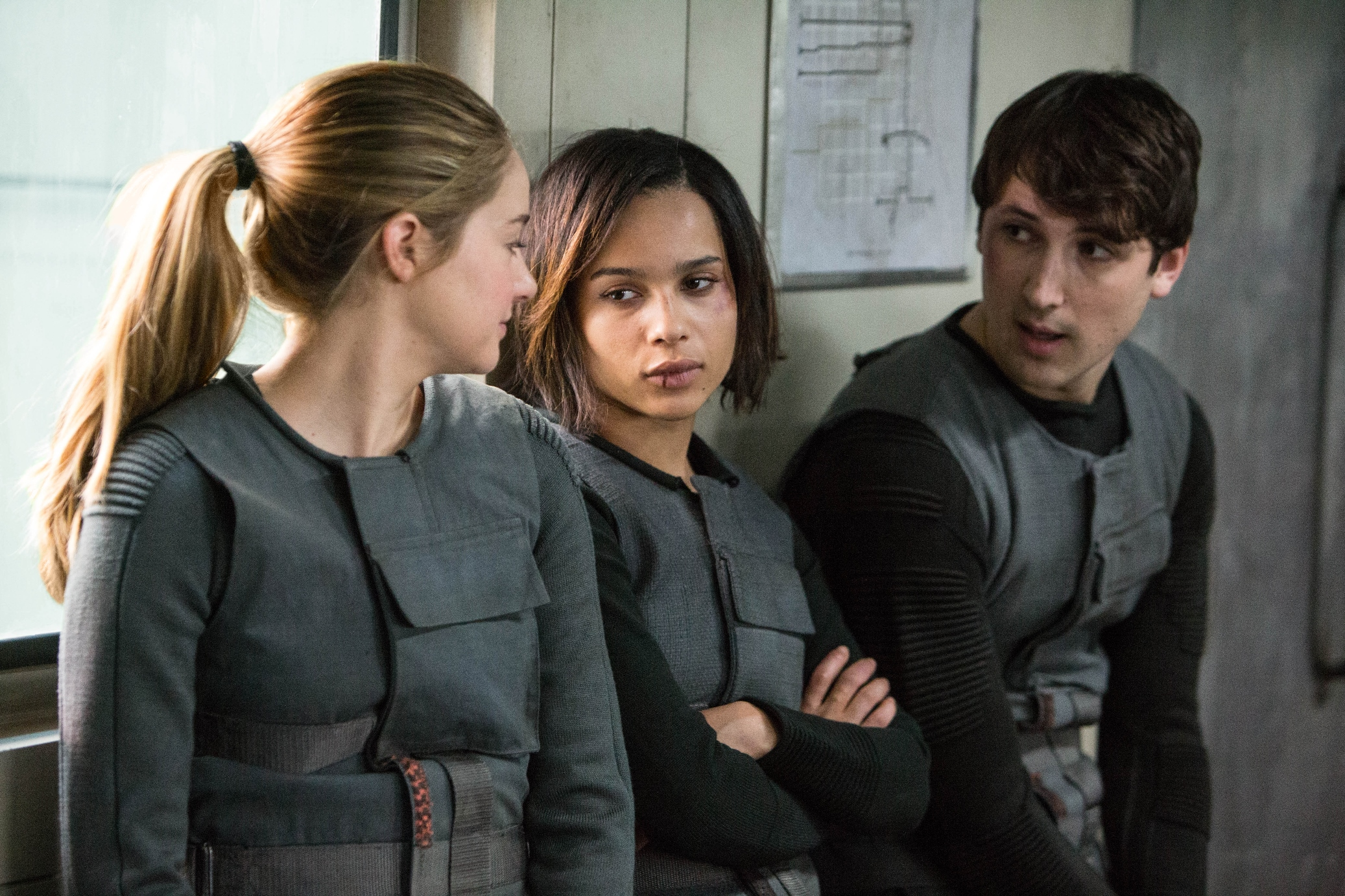 Divergent-Movie-Stills-BTS-Photo-HQ-Untagged-divergent-34842233-2074-1382.jpg