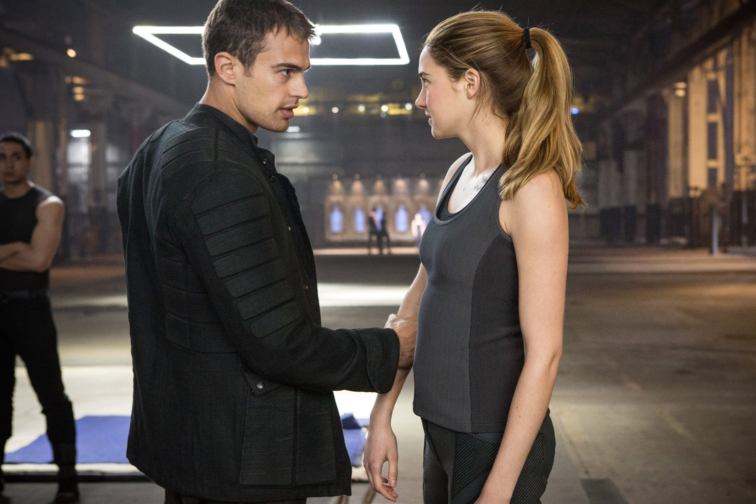 Divergent-Movie-Stills-BTS-Photo-HQ-Untagged-divergent-34842252-1550-1033.jpg