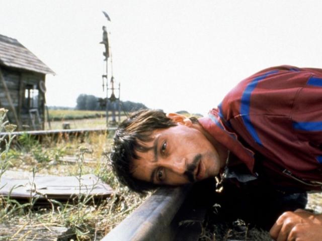 Macska-jaj / Crna macka, beli marcor (1998)