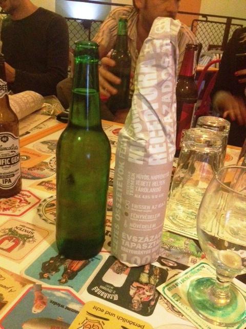 Baráti sörcsúcstalálkozó a Felni bisztróban
