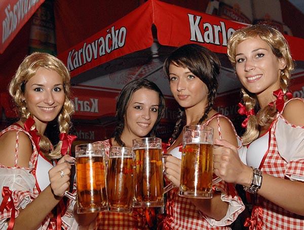 karlovacko_girls.JPG