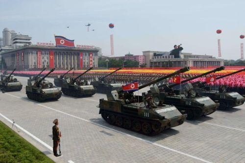 eszak-korea-parade.jpg