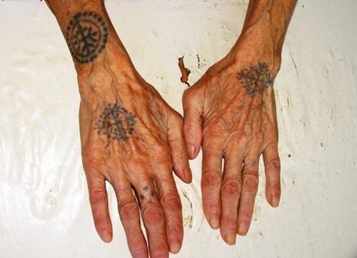 kezek3.jpg