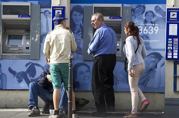Vigyázat az ATM-eknél