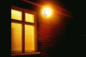 home-security---security-lighting-338136.jpg