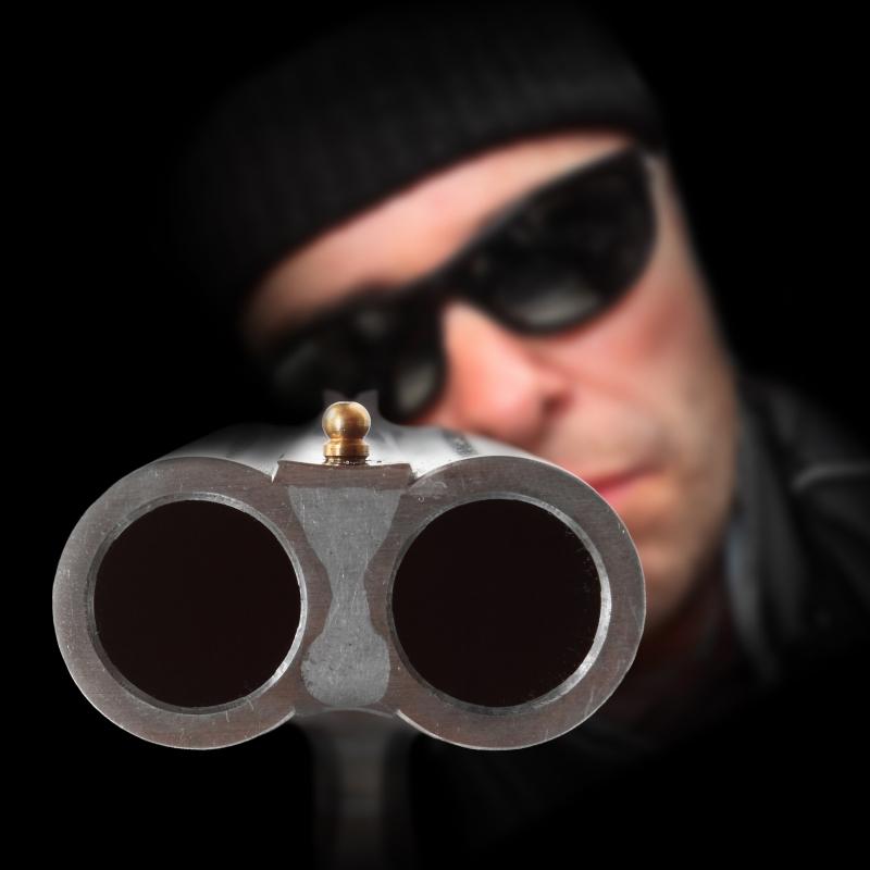 Mit tehetünk egy fegyveres támadóval szemben?