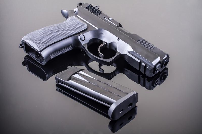A fegyver nem gyerekjáték...