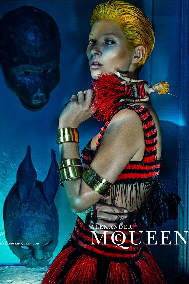 Kate-Moss-Alexander-McQueen-SS14-02.jpg