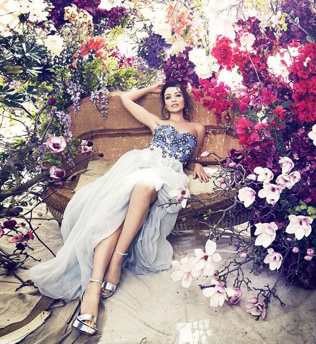 Minogue-Bazaar-Australia-05.jpg