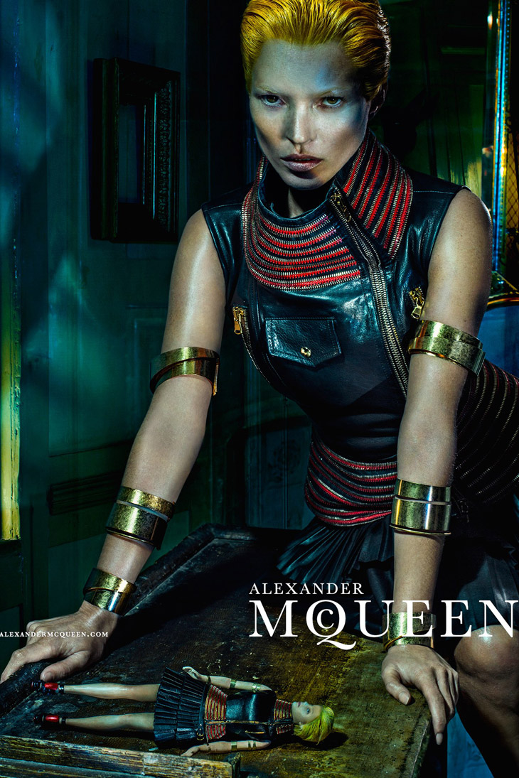 Kate-Moss-Alexander-McQueen-SS14-04.jpg